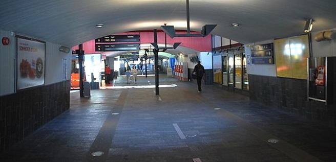 Foto inne. Lillestrøm stasjon