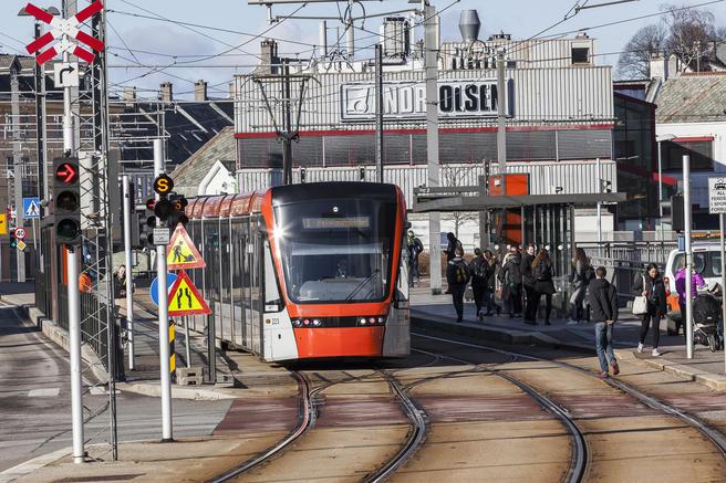 Ved denne stasjonen på Kronstad vil den nye bybanelinjen til Fyllingsdalen krysse og knyttes til den eksisterende linjen til Flesland.