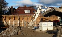 Midlertidig støjskærm ved byggeri af ny vejtunnel ved Nordhavn.