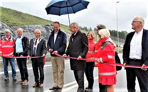 Samferdselsminister Ketil Solvik-Olsen sto for snorklippingen. Foto: Statens vegvesen.