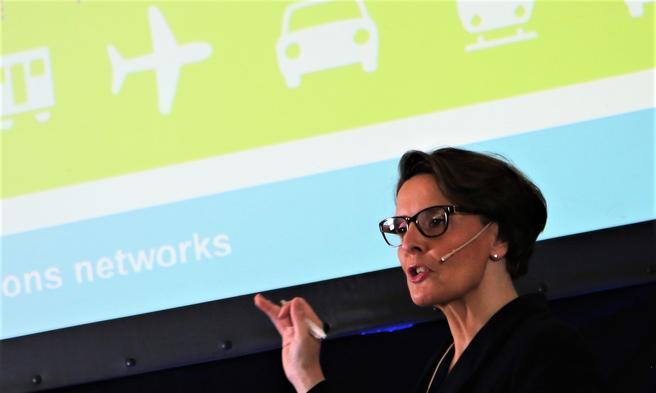 Anne Berner, transportministeren, har uttrykt tro på utenlandsk interesse for å delta i konkurransen. Arkivfoto: F. Dahl.