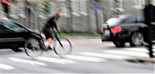Syklistene pådrar seg ifølge artikkelforfatterne en betydelig høyere skadekostnad per kilometer enn bilistene. Foto: F. Dahl.