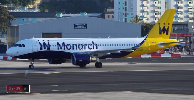 Monarch Airlines, et tradisjonsrikt flyselskap i feriemarkedet, er satt under administrasjon og har innstilt virksomheten. Foto: MKY661/Wikimedia Commons.