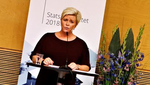 Siv Jensen, finansministeren, da hun på en pressekonferanse tidlig i ettermiddag redegjorde for hele budsjettet, ikke bare samferdselsdelen. Foto: F. Dahl.