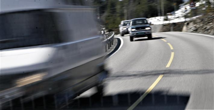 Utførte beregninger leder ifølge Rune Elvik til et krystallklart budskap: «Det er for få skadde og drepte i trafikken, og det vil 'lønne seg' for samfunnet å få økt disse tallene.» Illustrasjonsfoto: Samferdsel.