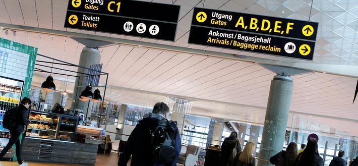 Einar Sørensen viser til store investeringer i den nye terminalen på Oslo Lufthavn Gardermoen og skriver: «Kanskje kan OSL-ledelsen nå puste lettet ut, fordi trafikken i perioden januar–november viser en økning på 7,2 prosent.» Foto: Samferdsel.