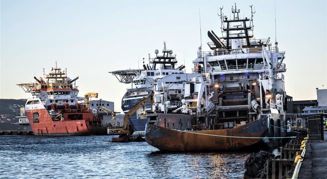 I løpet av året vil supplybåter som legger til i Bergen havn, med en enkel app kunne koble seg automatisk på havnens landstrømanlegg.