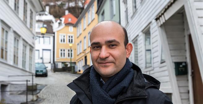 Seyed Mostafa Mirhedayatian står bak en doktoravhandling om logistikk og varedistribusjon.