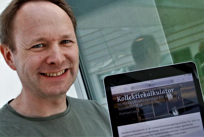 Nils Fearnley, nøkkelmann bak TØIs Kollektivkalkulator, nå i fornyet utgave. Foto: F. Dahl.