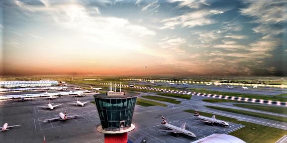 Det er ikke blitt ro i saken etter at den britiske regjeringen ga sitt ja til en tredje rullebane på Heathrow. Illustrasjon: Heathrow Airport.