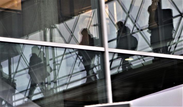 Flypassasjerer. De vokser i antall … Foto: F. Dahl.