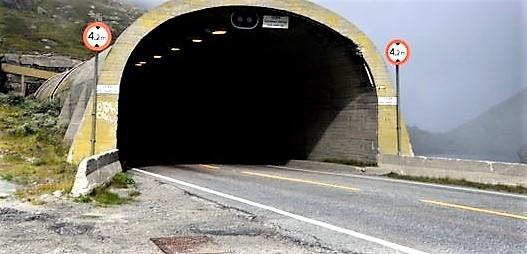 Vegdirektoratet «slurver med sin rolle når det gjelder kravene i tunnelsikkerhetsforskriften», skriver Vegtilsynet. Illustrasjonsfoto: Vegtilsynet.