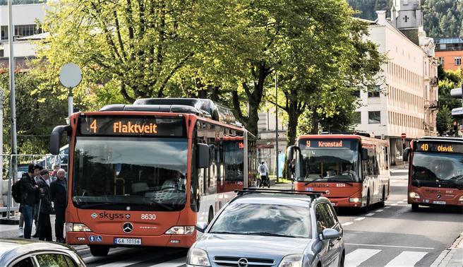 Når de avvikles store arrangementer i byer som Bergen, klarer ikke alltid kollektivtilbudet å dekke publikums transportbehov.