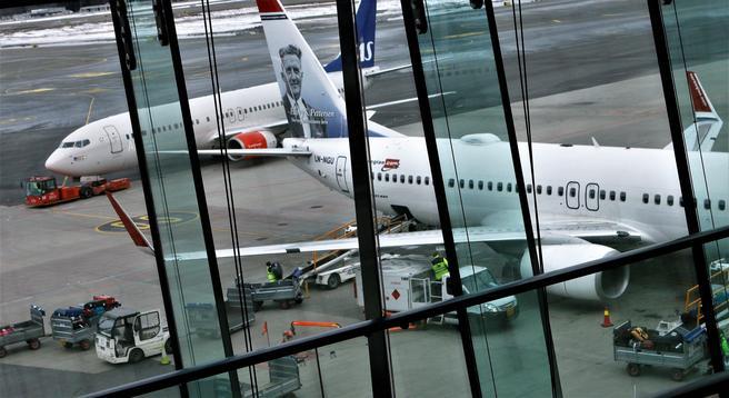 Utviklingen innen luftfarten har gitt økt konkurranse, økt flytrafikk og lavere billettpriser – kanskje på både godt og vondt. Illustrasjonsfoto: F. Dahl.