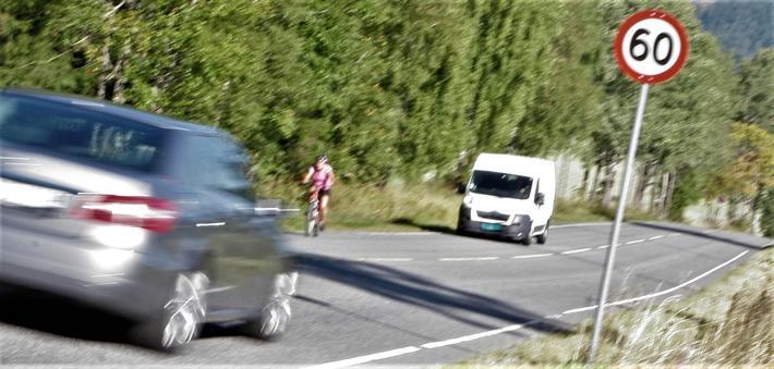«Det er ikke noe nytt at fart er viktig for trafikksikkerheten, men det er kanskje litt overraskende at sammenhengen synes å være sterkere i studier publisert etter 2000 enn i eldre studier», skriver Rune Elvik. Foto: F. Dahl