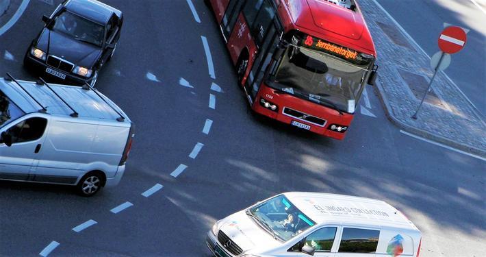 Trafikksikkerhet. «Det som tilfeldigvis går bra, finner aldri veien til en ulykkesstatistikk», skriver Per Andreas Langeland. Illustrasjonsfoto: F. Dahl