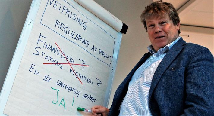 Gunnar Lindberg foreslår at myndighetene avstår fra å påvirke prisene i et veiprisingssystem direkte, eksempelvis via Finansdepartementet, og heller formulerer en regel om prisene, en regel som håndteres av en uavhengig organisasjon. Foto: Flemming Dahl.