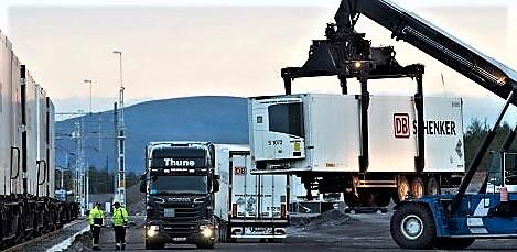 «Terminaler og havner skal utvikles slik at det blir enklere å laste om til tog og sjøfart», skriver Trafikverket. Foto: Thorbjörn Bergkvist/Trafikverket