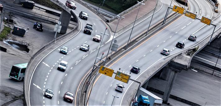 Nei til bilen Bergen. Trafikken i Bergen skal ned. Gjennom blant annet fortetning og andre planmessig tiltak vil kommunen sørge for at bergenserne har mindre behov for bilen.