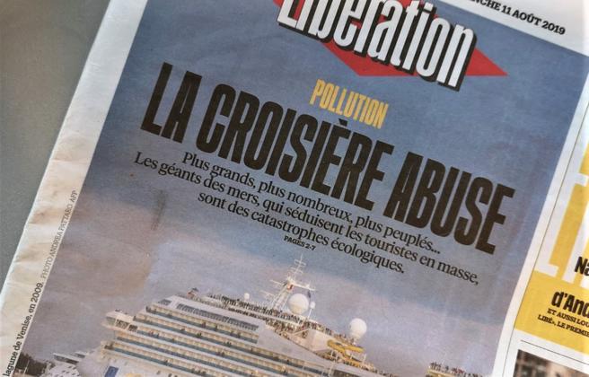 Plagsomme cruiseskip., Den franske avisen Liberation benytter forsiden på sin weekend-utgave til å flagge en seks siders reportasje om cruiseskips negative miljøpåvirkninger.