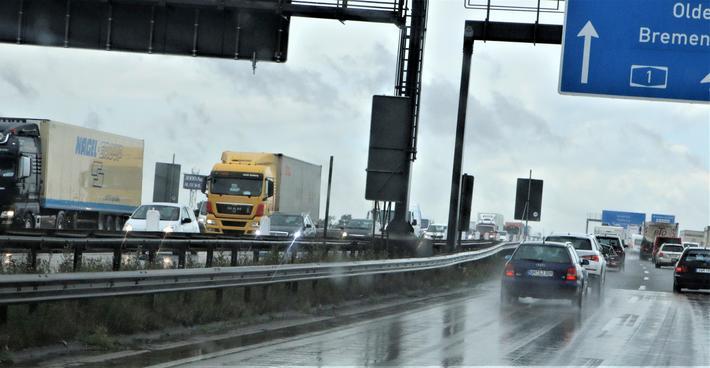 Kostbar veitransport. Ulykker og klimautslipp bidrar sterkt til at transport i Tyskland påfører samfunnet eksterne kostnader som ifølge nye beregninger beløper seg til 149 milliarder euro årlig. Illustrasjonsfoto: F. Dahl