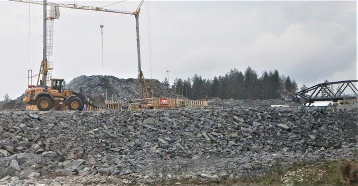 Infrastruktur, bygging. Samferdselsministeren får bekreftet at det kan være mulig å gjøre store prosjekter mindre dyre enn opprinnelig tenkt. Illustrasjonsfoto: Samferdsel