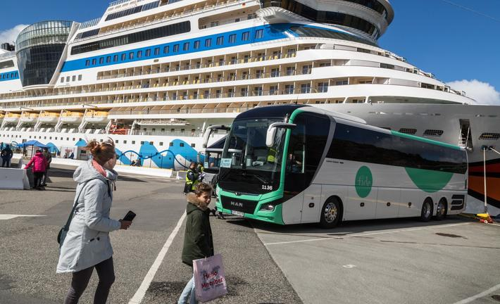 Dieselbusser, elbusser. Åpning for strengere miljøkrav til kommersielle busser, eksempelvis slike som betjener cruise-turister?