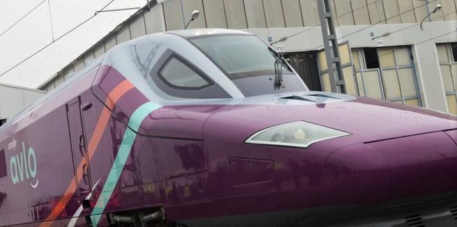 Høyhastighetstog, lavpristilbud, Spania. Det første Avlo-togsettet ble avduket denne uken. Foto: RENFE