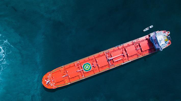 Grønn skipsfart. MV «Balboa», et av flere skip i Klaveness Combination Carriers' flåte som kan frakte både tørr og våt last. Kombinasjonen minimerer tiden skipene seiler uten last og bidrar dermed til begrenset energisløsing. Foto: KCC