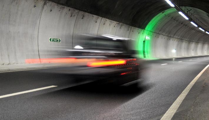 Fartsmåling, streknings-ATK. Klart for gjennomsnittsmåling av fart i tre tunneler. Illustrasjonsfoto: Knut Opeide/Statens vegvesen