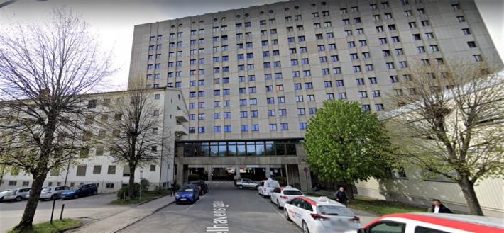 Sykehuslokalisering. Artikkelforfatterne konsentrerer seg om reiser til Drammen sykehus (bildet) og sykehuset i Tønsberg. Foto: Google Maps
