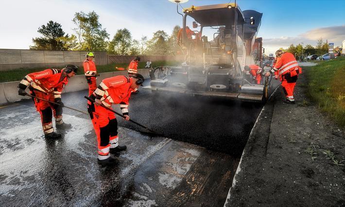 Korona-millioner til riksveier. Mye av pengene skal gå til ekstra asfaltlegging. Illustrasjonsfoto: Knut Opeide
