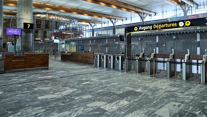 Flypassasjerfall, korona. Lang mellom passasjerene nå for tiden. Illustrasjonsfoto: Foto: Catchlight / Avinor
