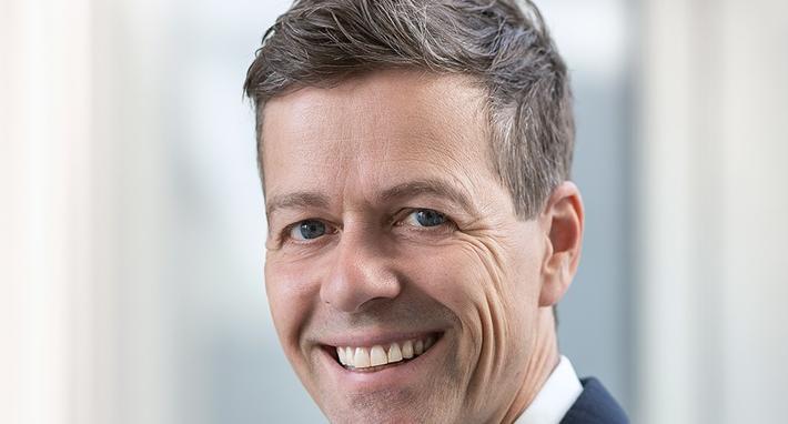 E18 og Fornebubanen. Blant dem som uttrykker begeistring, er samferdselsminister Knut Arild Hareide. Foto: Torbjørn Tandberg