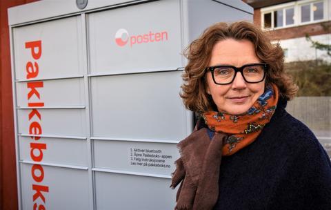 Pakkebokser. Tone Wille, konsernsjefen i Posten Norge, sier at pakkeboksene skal gjøre det enkelt for kunder å hente nett-bestilte pakker. Foto: Posten Norge