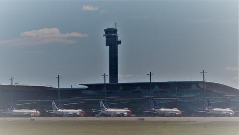 Nytt flyselskap. SAS og Norwegian er blant de mange som higer etter luft. Nå kan de se for seg konkurranse fra en aktør som planlegger «et ansvarlig transportalternativ der tog, buss og bil ikke strekker til», dessuten fra ungarske Wizz Air. Foto: F. Dahl