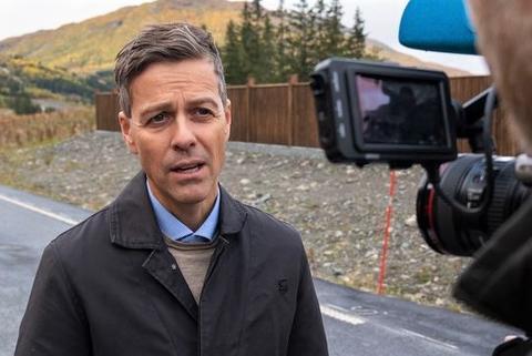 Forslag til statsbudsjett 2021. «Vi bygger vei og bane i et høyt tempo», sier samferdselsminister Knut Arild Hareide. Foto: Henrik Jonassen/SD