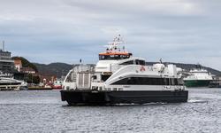 På vei mot nullutslippshurtigbåter. Rederiet Norled har kontrakt på hurtigbåtrutene i Vestland fylke. Den løper ut i 2022, men vil bli midlertidig forlenget til de nye hurtigbåtene er på plass i 2024.