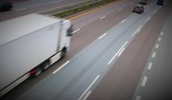Korona, forsyningssikkerhet. Store utfordringer for næringslivet, ikke minst for transportindustrien … Datafangst fra rundt 1600 lastebiler inngår i et TØI-ledet prosjekt som analyserer effekter av pandemien på nasjonal forsyningssikkerhet. Illustrasjonsfoto: F. Dah