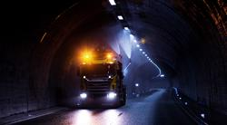 Jobbrelaterte ulykker. Vekselvis store og små kjøretøy har vært involvert i mange dødsulykker på ulike arbeidsplasser. Illustrasjonsfoto: Arbeidstilsynet