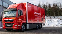 Stor el-lastebil. Den nye elektriske lastebilen, levert av MAN, oppgis å ha en totalvekt på 26 tonn og å kunne ta opptil 11 tonn nyttelast. Foto: Posten Norge