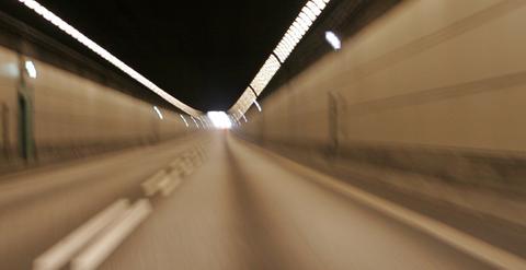 Elbilerf og tunnelventilasjon. Mange elbiler, reduserte utslipp, mindre behov for tunnelventilasjon. Illustrasjonsfoto: F. Dahl