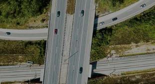 Dansk infrastrukturplan. Mye motorveisatsing – vel mye asfalt, ifølge kritiske røster – inngår i den foreslåtte danske infrastrukturplanen. Illustrasjon fra planen.